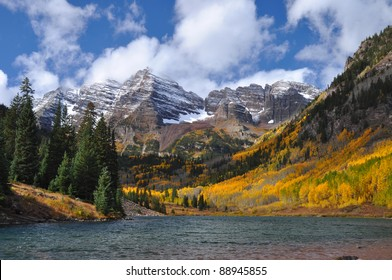 Beautiful Maroon Bells in Autumn 102