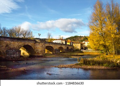 Beautiful medieval bridge to get into Aguilar de campoo