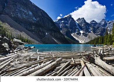 Beautiful Morraine Lake in Banff Alberta