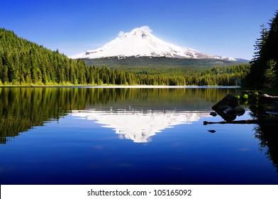 The beautiful Mount Hood reflection in Trillium Lake