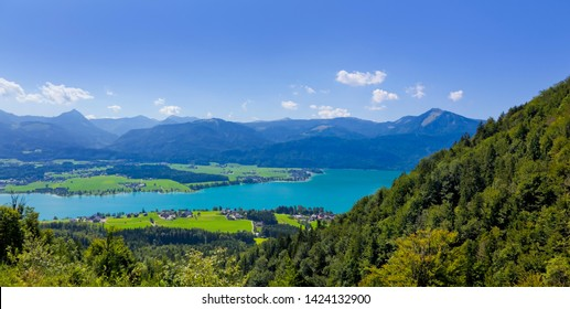 Beautiful mountain panorama at the Wolfgangsee.