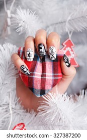 Beautiful nails with christmas sample