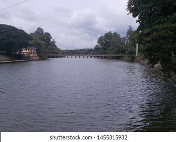 Beautiful natural view of river with bridge and sky in malampuzha dam