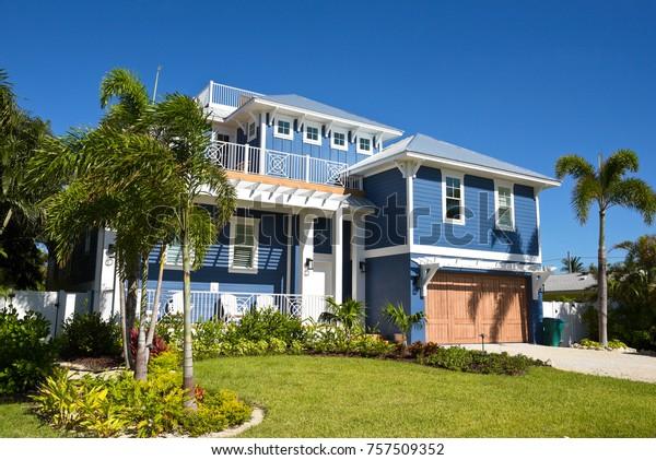 beautiful-new-florida-house-palm-600w-75