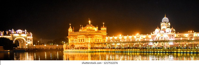 Beautiful night view of golden temple (Shri Harmandir Sahib) Amritsar.