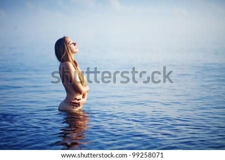 Nude Beach mallit