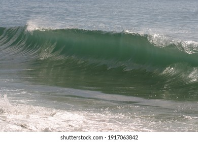 beautiful ocean waves, nature background photo