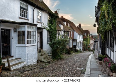 Beautiful old cottages on a cobbled street in Rye, East Sussex