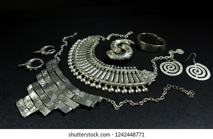 Beautiful Oriental Silver jewelry (Indian, Arab, African, Egyptian). Fashion Exotic Accessories, Asian Silver jewelry. Tribal Jewelry for belly dance oriental costumes. Necklace, Earrings, Bracelets.