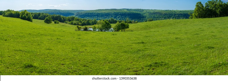 Beautiful panoramic farm land landscape view in northwest arkansas, ozark mountains