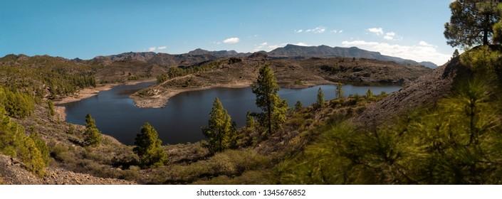 beautiful panoramic view of mountains and lake on gran canaria island, spain
