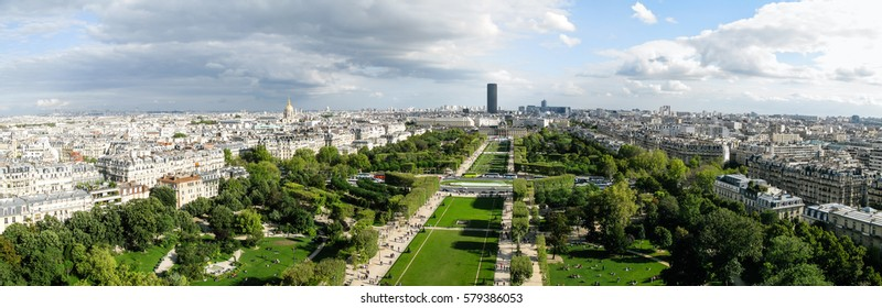 Beautiful panoramic view of Paris city in sunny weather.