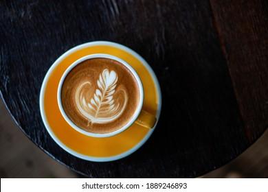 The beautiful pattern by milk foam on the top of coffee ,latte art
