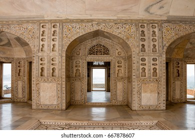 Beautiful patterns and pillars of historical mughal architecture -Agra Fort, Agra, Uttar Pradesh, India. It was the main residence of the emperors of the Mughal Dynasty