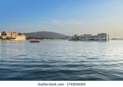 The beautiful Pichola Lake in Udaipur, Rajasthan, India