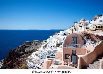 beautiful places on the island of Santorini, the city of Oia
