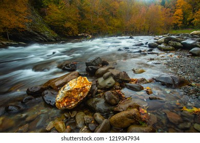 A beautiful quartz rock in LIttle River in Autumn in Smoky Mountains National Park