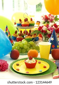 Beautiful rainbow table for a children's banquet