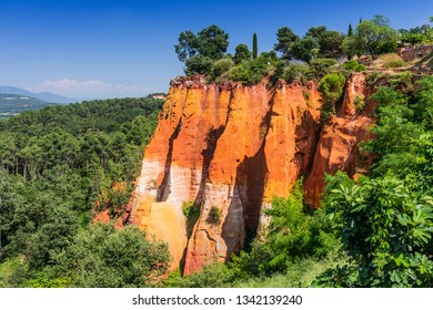 Beautiful red ocher cliffs near the village of Roussillon.