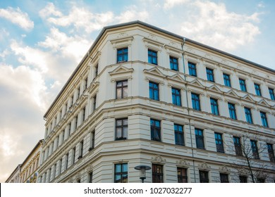 beautiful residential corner building at prenzlauer berg, berlin