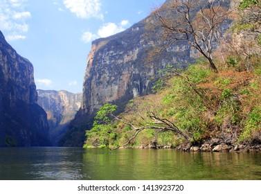 Beautiful rocks and Grijalva river (Rio Grijalva) inside Sumidero Canyon (Canyon del Sumidero) near to Tuxtla Gutierrez, Chiapas, Mexico