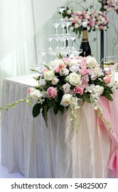 beautiful rose flower and champagne on the wedding.
