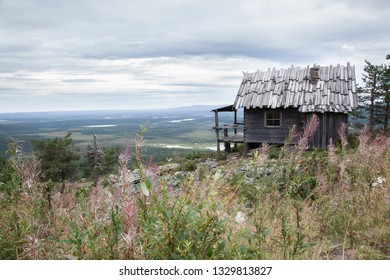 Beautiful Santa's secret cabin on top of Levitunturi fell on autumn. This cabin is also known from finnish christmas movie