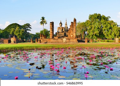 Beautiful Scenery Scenic View Ancient Buddhist Temple Ruins of Wat Mahathat in The Sukhothai Historical Park in Summer