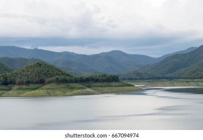 Beautiful scenery of turquoise lake Dramatic and dramatic scene