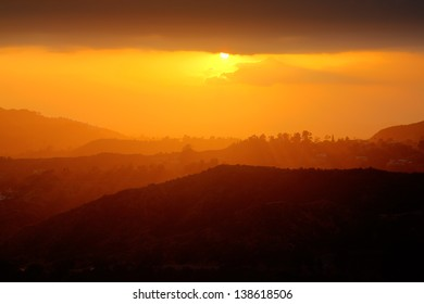 Beautiful Scenic Sunset In Hollywood Hills Southern California