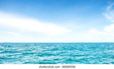 Beautiful Sea and sky on daytime for background