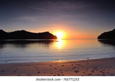 Beautiful seascape with sunrise/sunset