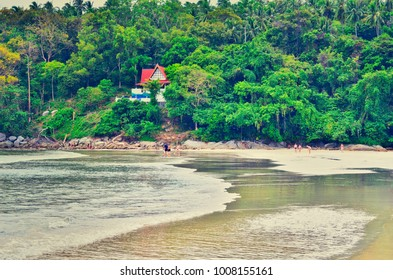 Beautiful see and house on the beach