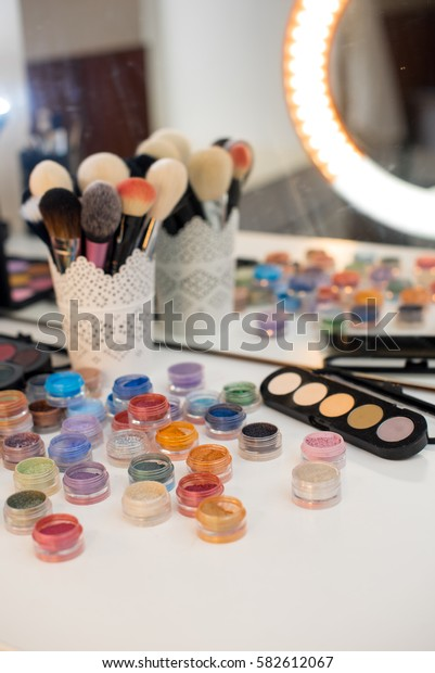 A beautiful set of professional make-up artist.
