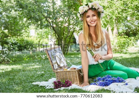 For sexy photos of woman on picnic the