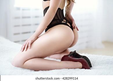 Big tity girls fucking