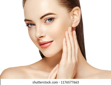 Beautiful skin woman with healthy hair and beauty eyes lashes and lips