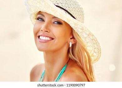 Beautiful smile woman - close up portrait