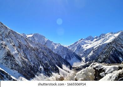 Beautiful Snow Covered Mountains Sunmarg, Nature Scenery, Leh & Ladakh, J&K India