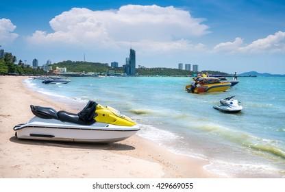 Beautiful speedboat,white sand beach at Pattaya Beach ,Pattaya, Thailand