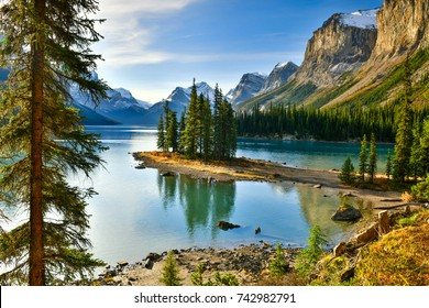 Beautiful Spirit Island in Maligne Lake, Jasper National Park, Alberta, Canada