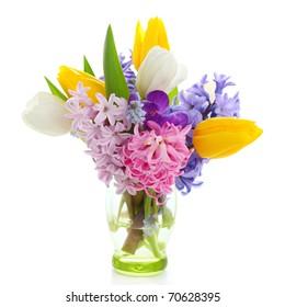 Schöne Frühlingsblumen einzeln auf weißem Hintergrund (Krokus, Hyazinth, Tulpe)