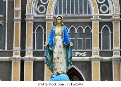 beautiful statue of Virgin Mary the Cathedral of Immaculate Conception