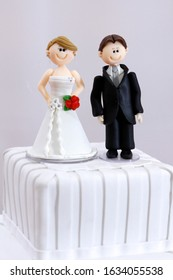 beautiful statues of bride and groom decorative wedding cake - wedding bride and groom couple doll in wedding cake