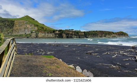 Beautiful stretch of White Cliffs along North Taranaki Bight in North Island, New Zealand