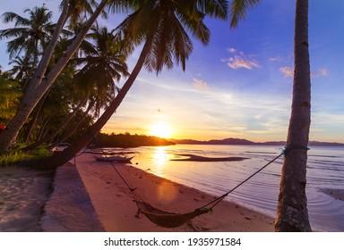Schöne Sommerlandschaften am tropischen Strand