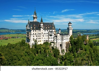 Beautiful summer view of the Neuschwanstein castle (Bavaria, Germany).