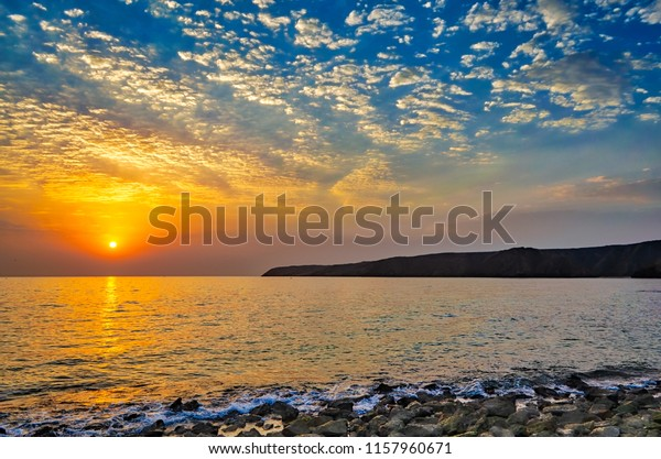 beautiful-sunrise-on-beach-full-600w-115