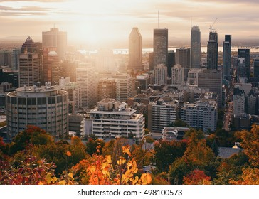 Beautiful sunrise on Montreal downtown