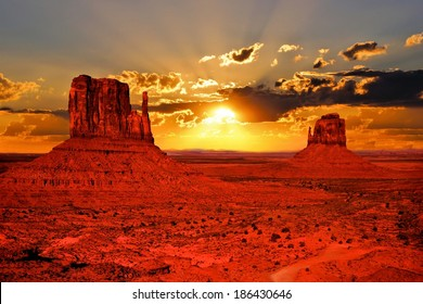 Beautiful sunrise over iconic Monument Valley, Arizona, USA